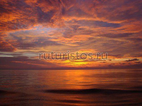 Рассвет в Баб-эль-Мандебском проливе